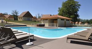 Le_Lac_bleu_zwembad_vakantie_Frankrijk-300x161-crop-fff